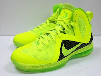 nike lebron 9 ps elite lebron pe tennis 4 04 #TBT: Nike LeBron 9 P.S. Elite Tennis Balls / Dunkman PE