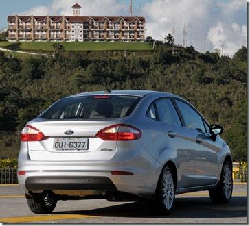 New Fiesta Sedan 2014 (9)