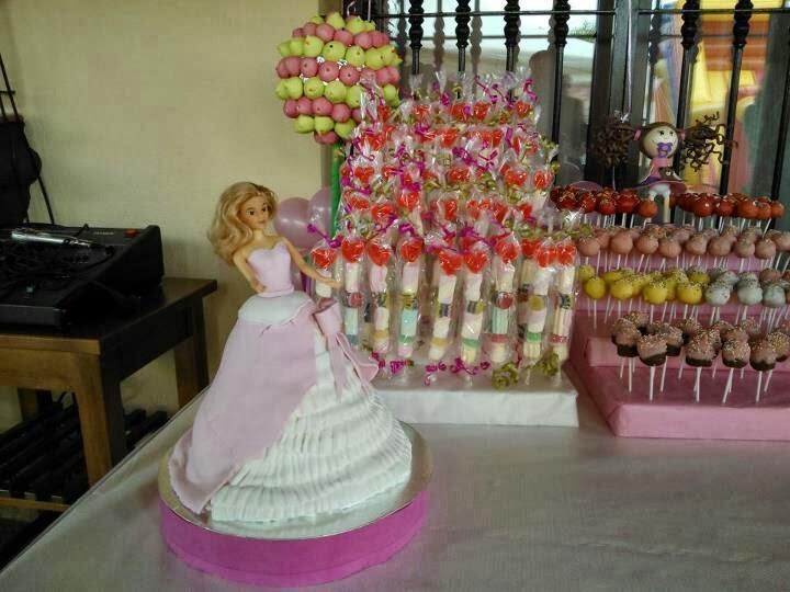 Lucrecitas 39 mesa de dulces de comuni n - Carro de chuches comunion ...