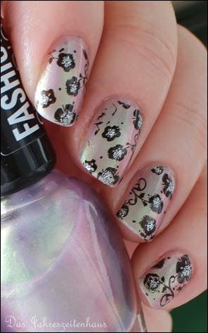 Flowers duochrom Nail Art 3