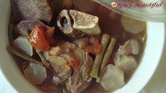 Pork-and-Vegetables-in-Tamarind-Soup