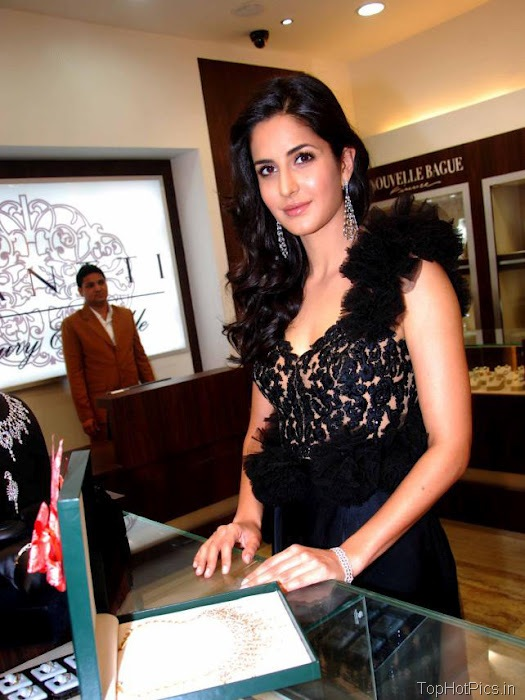 Katrina Kaif Hottest Pictures in Cute Black Dress 2