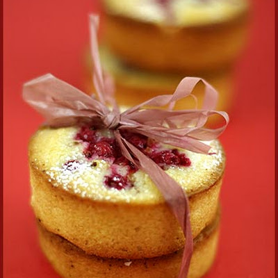 Red Currant Mini Cakes