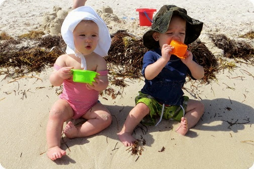 Beach Twins!