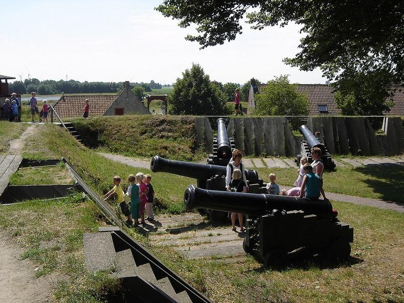 """نجمة """"قلعة بورتانج"""" في هولندا"""