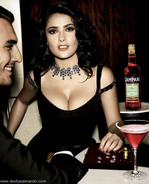 salma hayek linda sensual sexy sedutora gostosa peituda boob tits desbaratinando  (6)