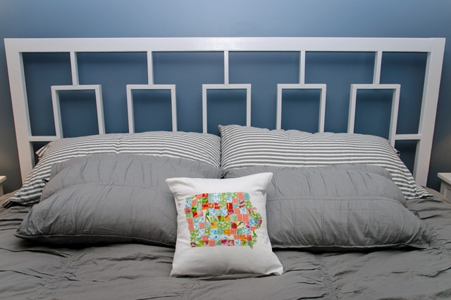 Pillow 058