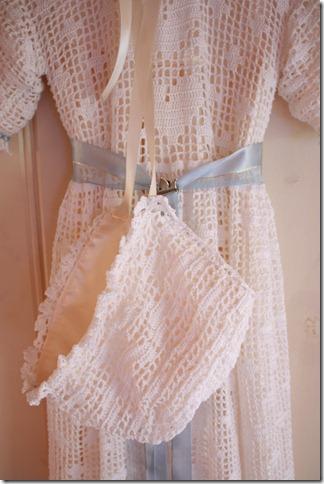 Håndlaget dåpskjole heklet blonder IMG_2252