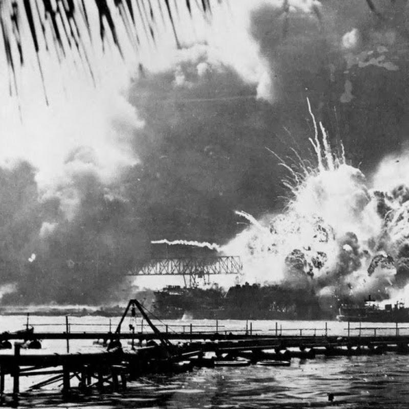 O ataque japonês a Pearl Harbor em 45 fotografias