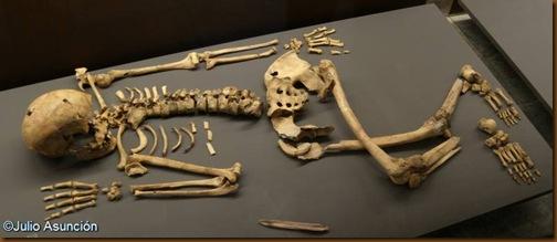 Enterramiento de la cueva de Aizpea - Aribe - Museo de Navarra