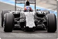 Daniil Kvyat con la Red Bull RB11 nei test di Jerez