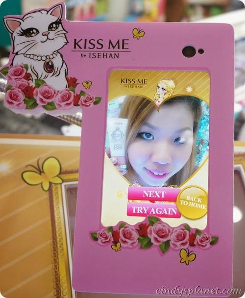 Kiss Me Selfie11