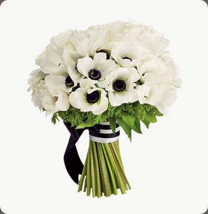 black and white-wedding-ideas-bouquet fleurs nyc and spencer higgins photo