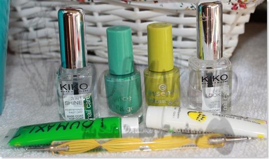 Decoración uñas verdes 2