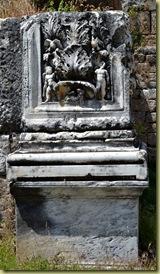 Aphrodisias nice carving-001
