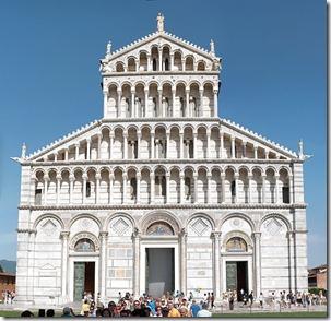 617px-Duomo_di_Pisa_Front_Facade_2009