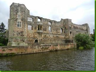 DSCN1241  Newark Castle