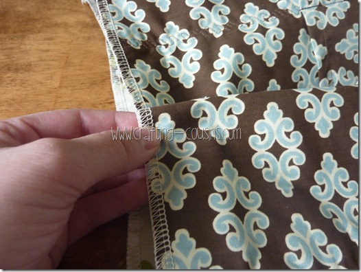 Crafty Cousins' Flouncy Bag Tutorial (26)