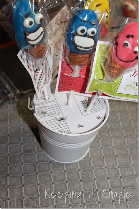 light bulb sucker neighbor gift #freeprintable (6)