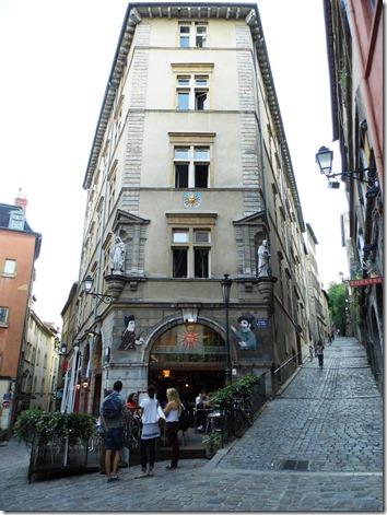 Lyon 32