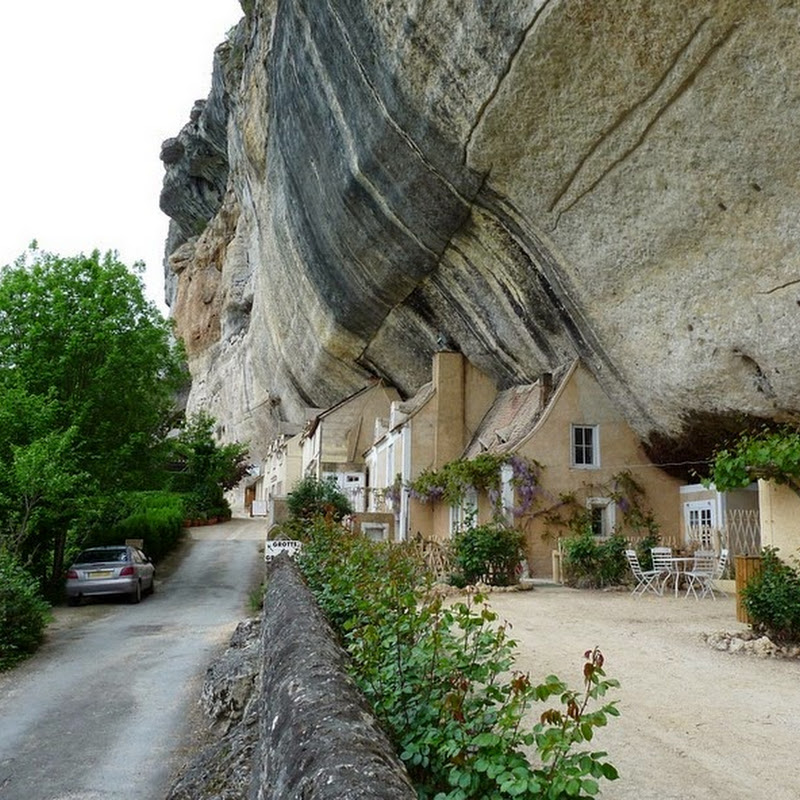 Troglodyte Houses and Caves of Les Eyzies de Tayac