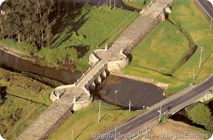 puente del común tomado de Bogotá desde el aire de  Villegas editores