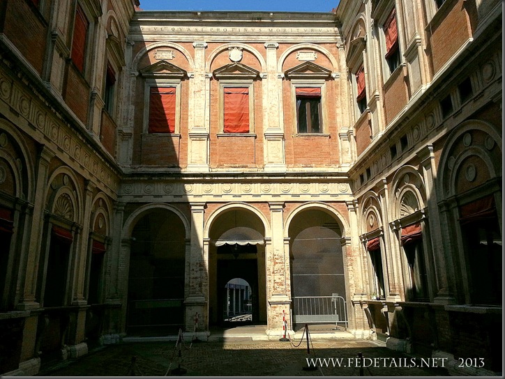 Palazzo Naselli-Crispi, Foto2, Ferrara, Emilia Romagna, Italia - PalaceNaselli-Crispi, photo2, Ferrara, Emilia Romagna, Italy - Property and Copyrights of FEdetails.net