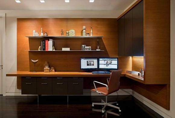 Moderna sala de estudio con escritorio y mesa de esquina