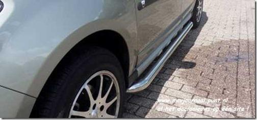 Dacia Sandero met sidebars 04