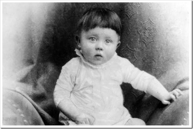 Hitler quando bebê