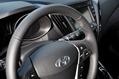 2013-Hyundai-Veloster-Turbo-11