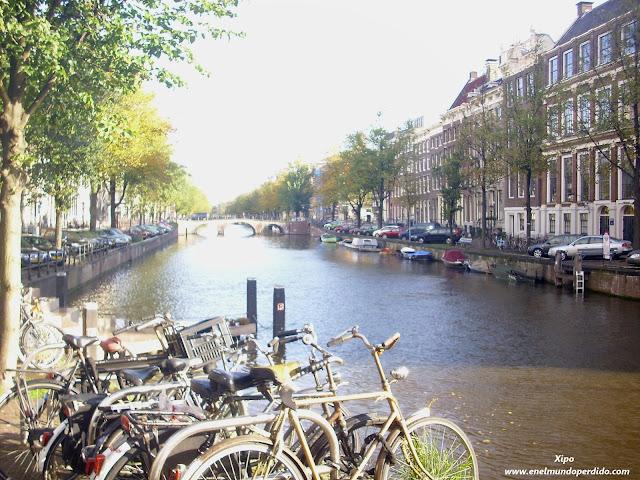 Canal-de-Amsterdam.jpg