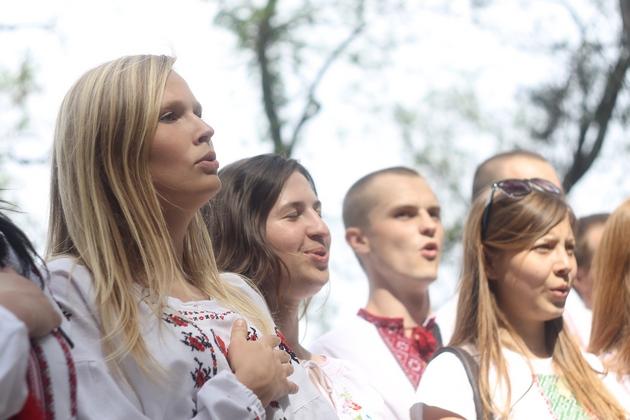 """Представники групи """"найстійкіших"""" заспівали гімн України"""