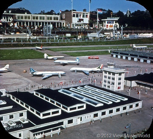 View-Master Madurodam (C392), Scene 4: The Airport