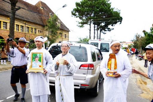 Tang lễ Cố HT Trương Công Oai: Lễ Di Quan