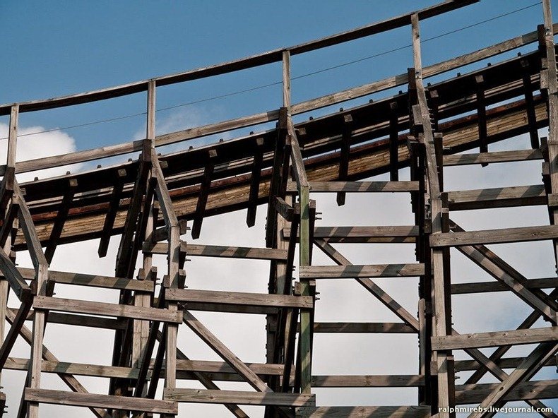 wooden-rollercoaster-15