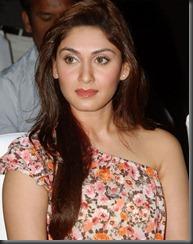 south-indian-actress-manjari-glamour-pic4