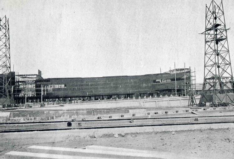 MARQUES DE CHAVARRI en construcción. Libro OBRAS. SE de CN. Año 1916.jpg