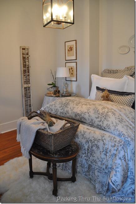 guest bedroom 2 032