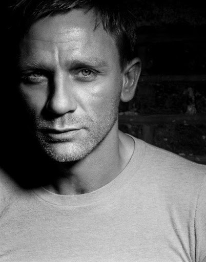 ... television actor Daniel Craig, star of the hit movies 'Enduring Love', ...