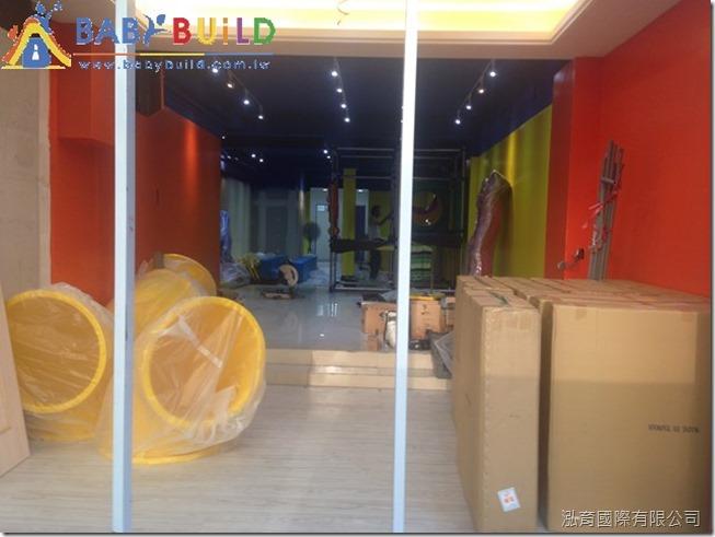 BabyBuild 室內遊具零組件與施工器具進場