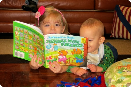 Elaine and Nehemiah read the Berenstein Bears