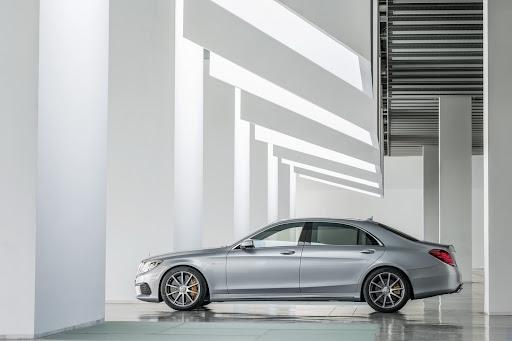 2014-Mercedes-Benz-S63-AMG-25.jpg