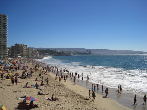 A busy day at the beach on Viña del Mar.