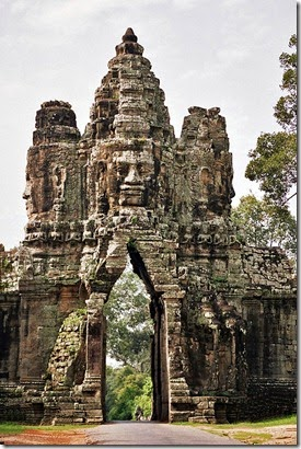 Angkor_Thom_Porta_Sud_interior