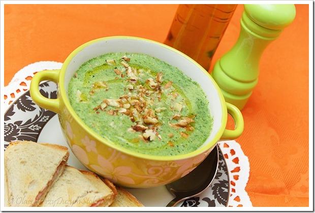 Przy Dużym Stole: Szybka zielona zupa-krem z groszku i szpinaku