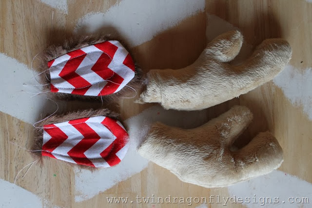 Holiday Plush Reindeer (8)