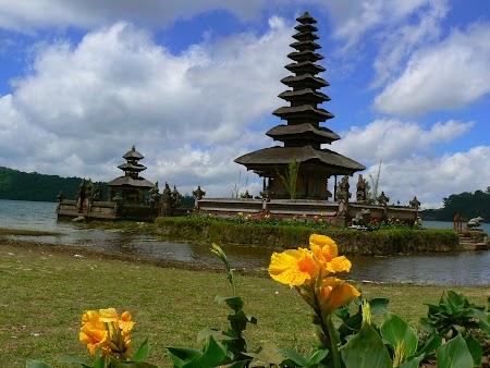 Templu Bali Bratan