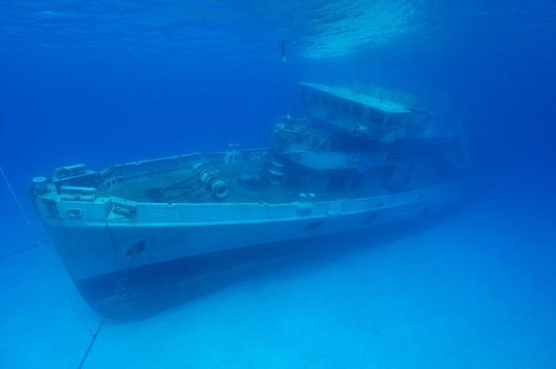 cayman-island-shipwreck-11