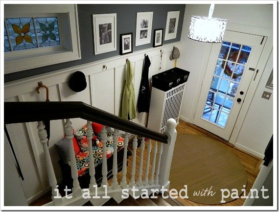 Entry down the stairs (550x413) (2)